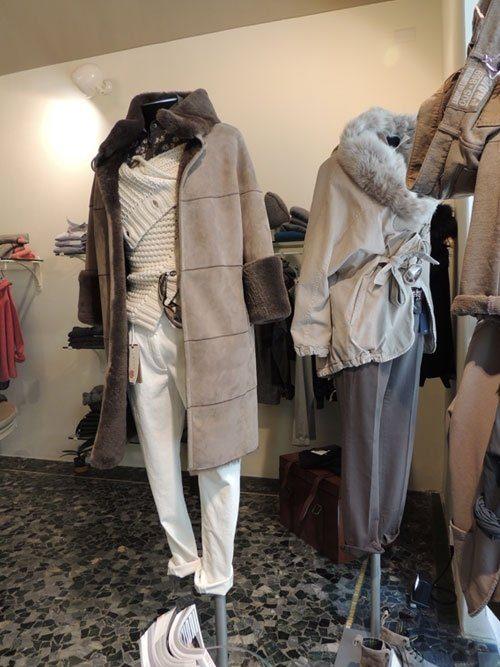 cappotto montone tagli orizzontali donna