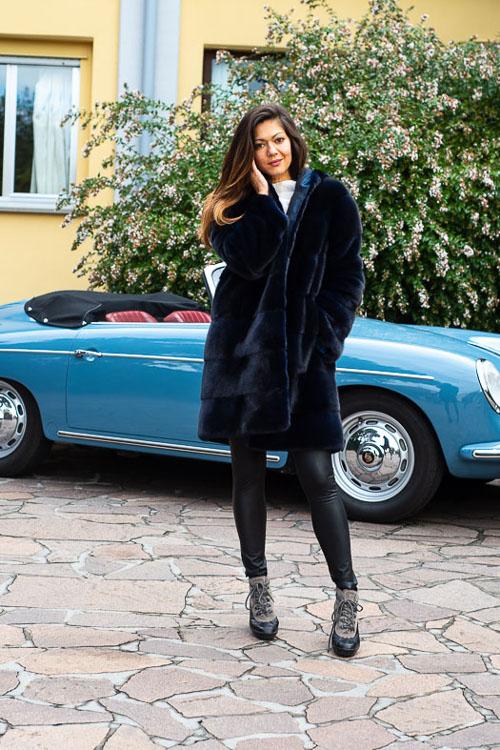 Cappotto con cappuccio reversibile in visone blu